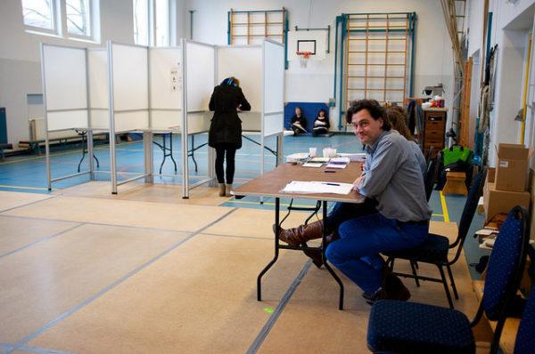 Aprender holandês - Local de Votação (stemdistrict) (c) Sebastiaan De Brug (flickr)