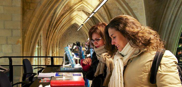 Holanda. Igrejas viram livrarias e outros espaços