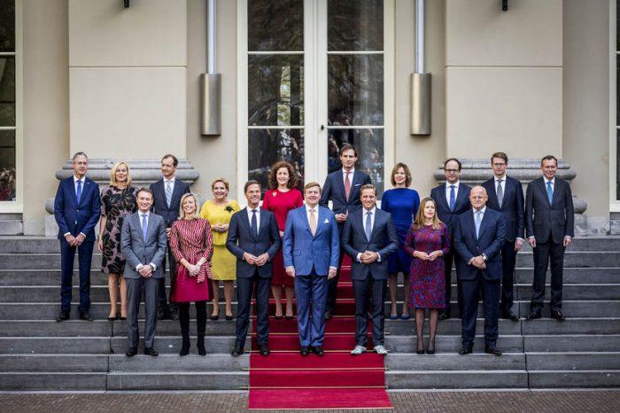 Gabinete Holandês Rutte III - queda do gabinete e combate ao Covid-19
