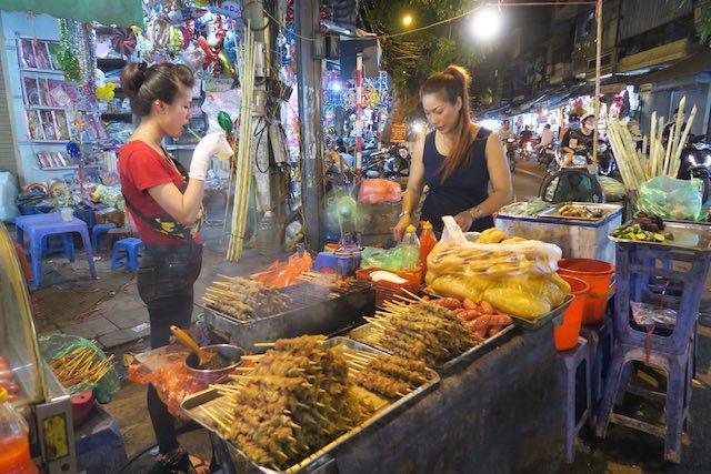 Strret food em Hanói - Vetnã