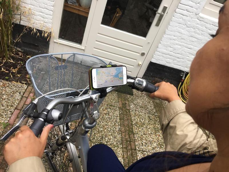 Suporte para celular na bicicleta pode ser uma boa alternativa para evitar a multa
