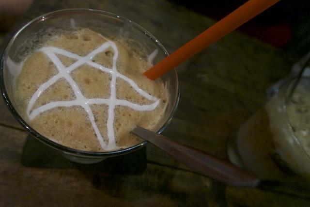 Café com coco em hanoi - Vietnã (c) Bailandesa.nl