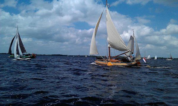 Velenjando em Giethoorn - Veneza Holandesa - Turismo Holanda